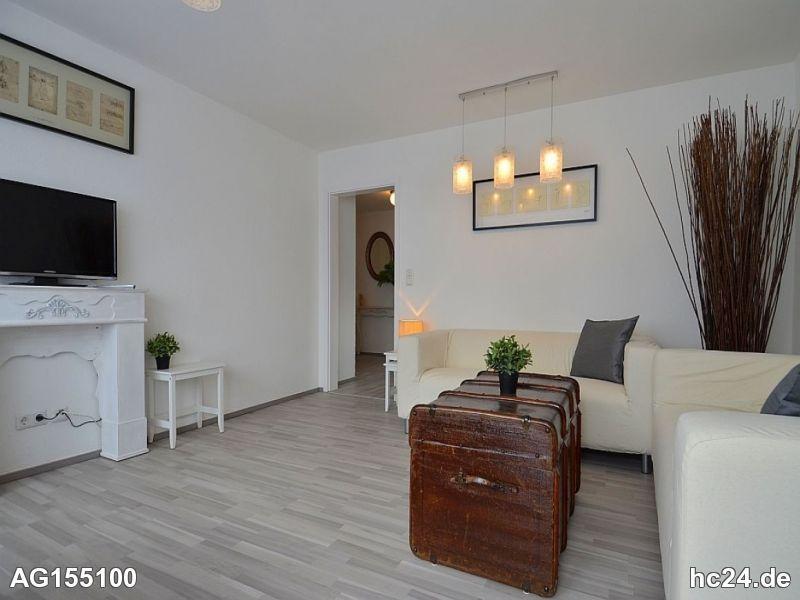 Modern möblierte Wohnung mit Balkon in Stuttgart Stammheim